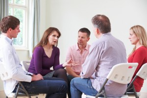 Imagen de terapia de grupo, Imagen de terapia de pareja, formato de tratamiento IPSIVA, Instituto Psicológico Valenciano de Trastornos y Problemas Obsesivos